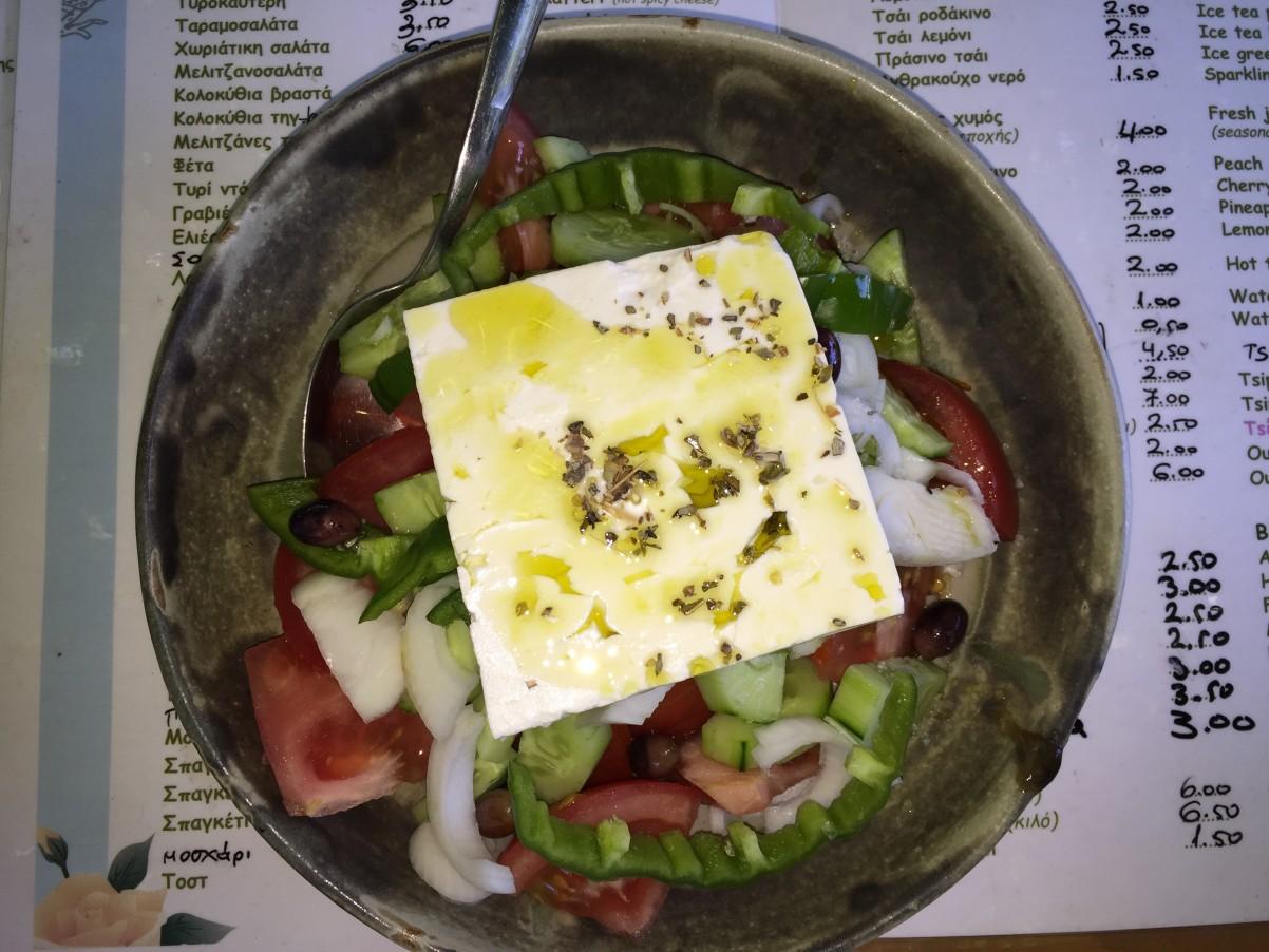 griekse salade bij maria in Vassilikos