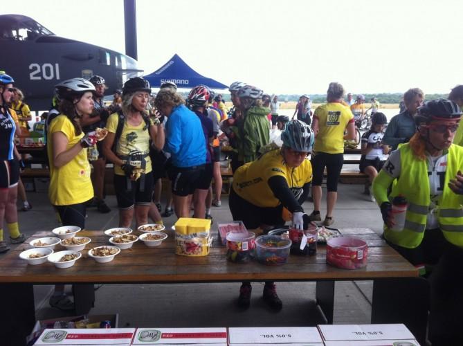 kilo's snoepjes bij verzorgingspost 2 Miles&More We Own Yellow