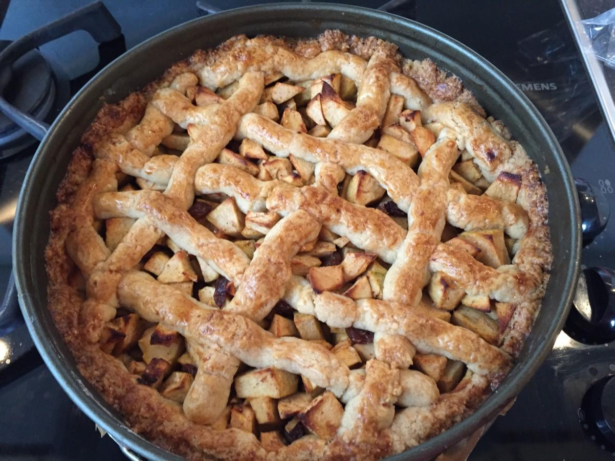 De appeltaart vers uit de oven!