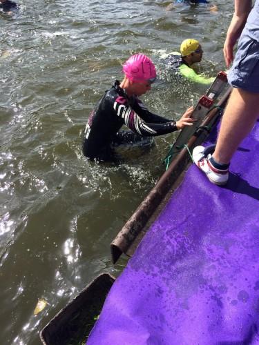uit het water Weesp kwart triatlon 2015