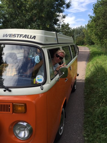 VW bus peace hippie tour roadtrip Duitsland
