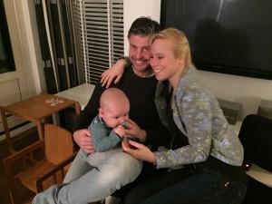 Jur en Nora met neefje Gijs