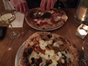 pizza bij La Base Weesp