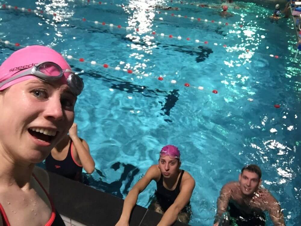 zwemles in het zwembad in Weesp