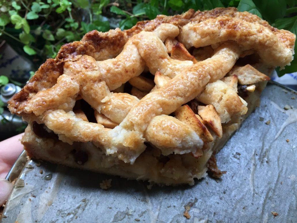 een heerlijk stuk zelfgemaakte appeltaart!!! ook appeltaart bakken? lees recept!