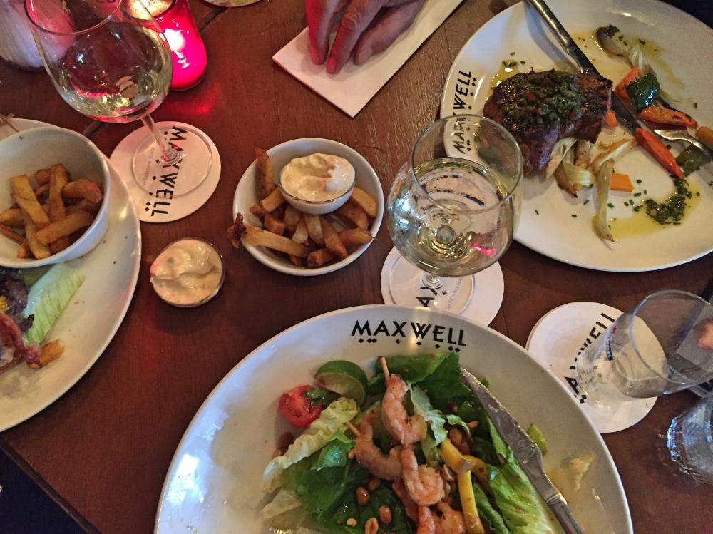 eten bij Maxwell beukenplein