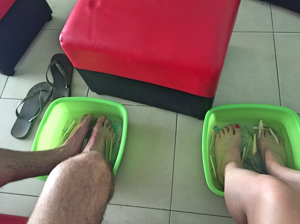 voetenbad met bos ui ofzo