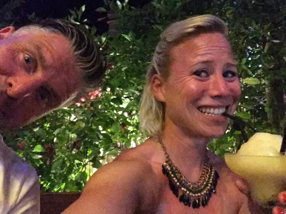 fotobomb cocktailselfie
