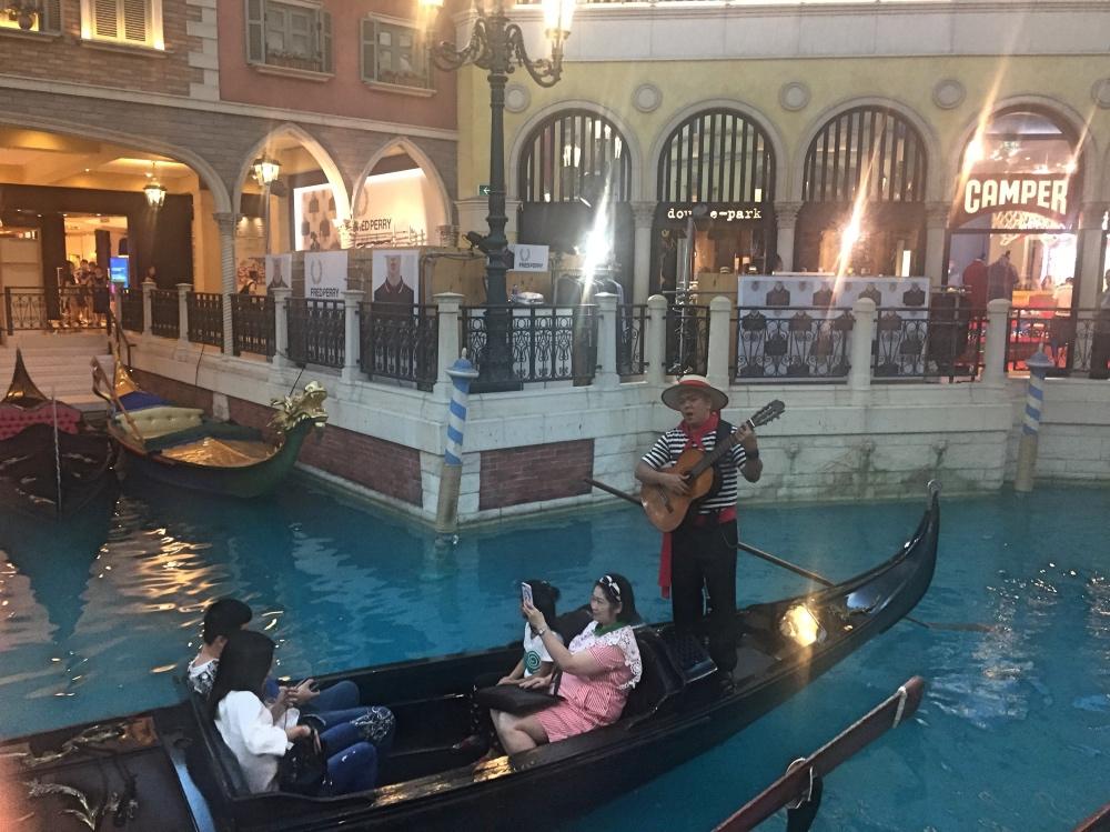 intens toeristisch in het Venetian op Macau