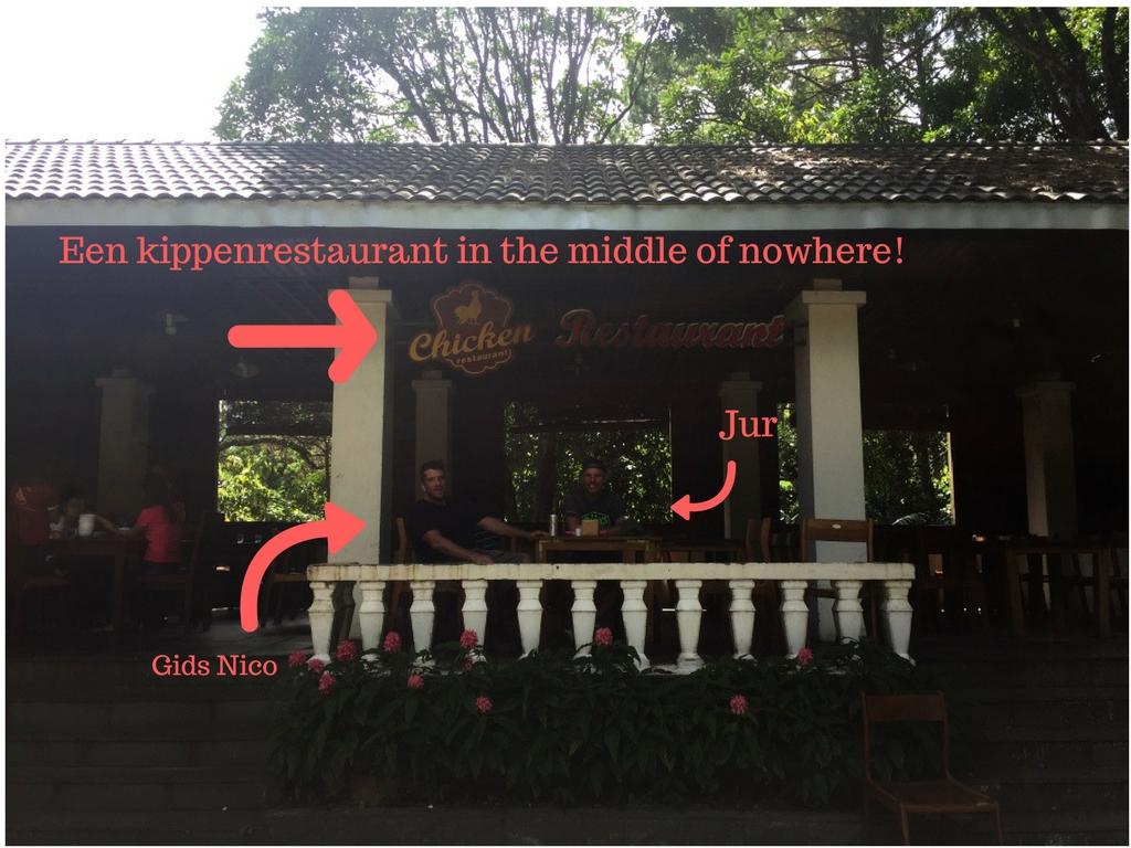 kippenrestaurant met tekst