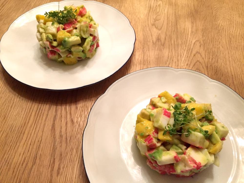 krab taartje met avocado en mango