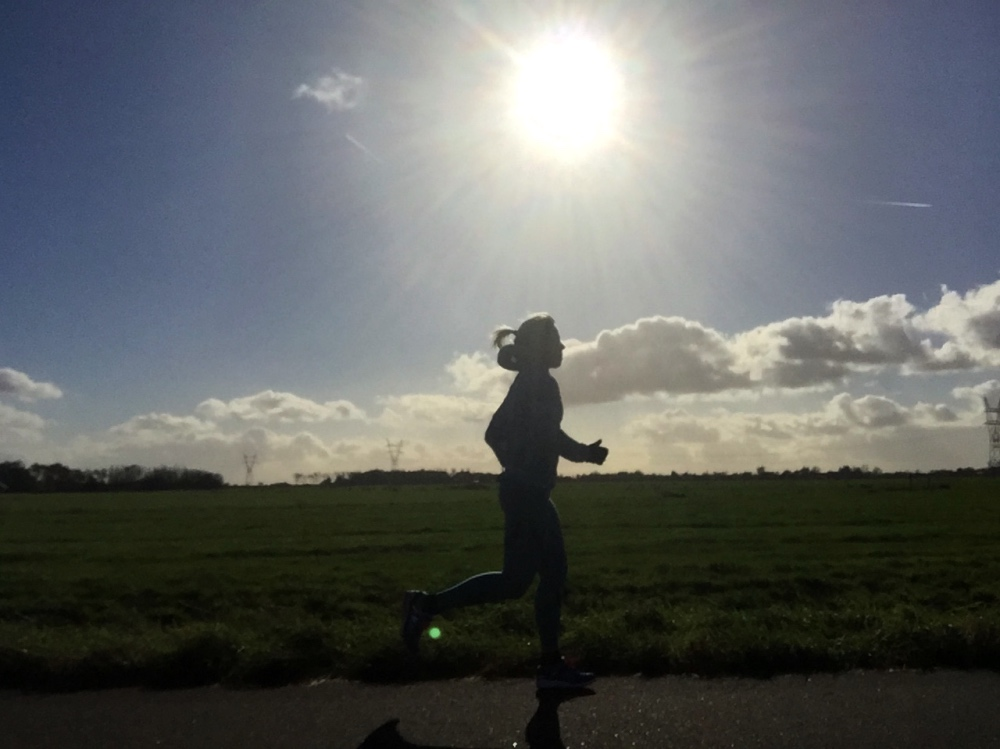 rennen met tegenlicht