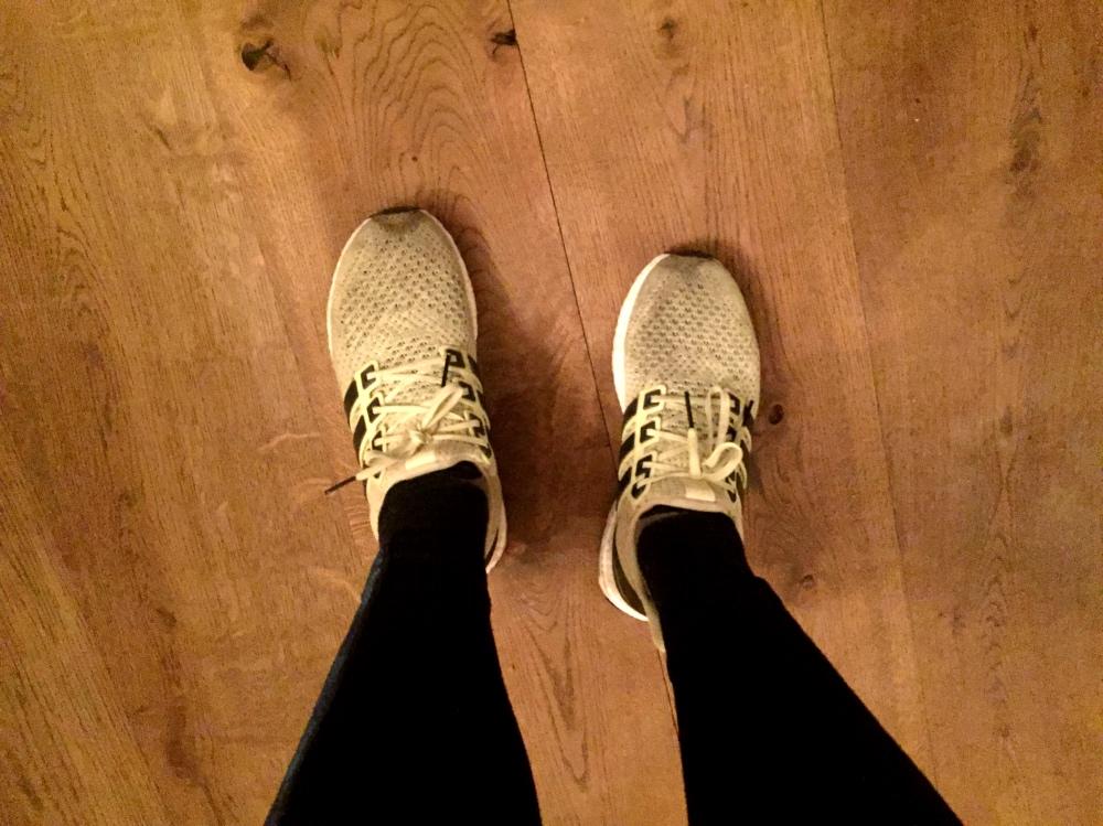 Lichtgele hardloopschoenen worden nogal snel bruin