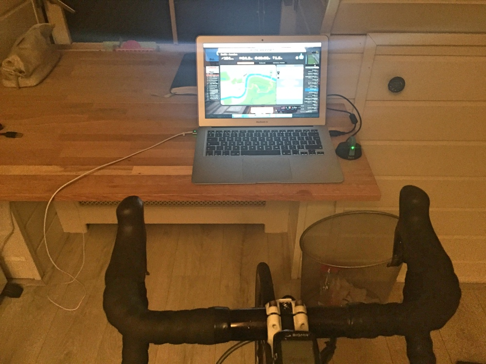 Op de fiets in ons kantoor-aan-huis.