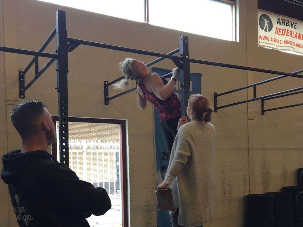 chest to bar pull-up c2b