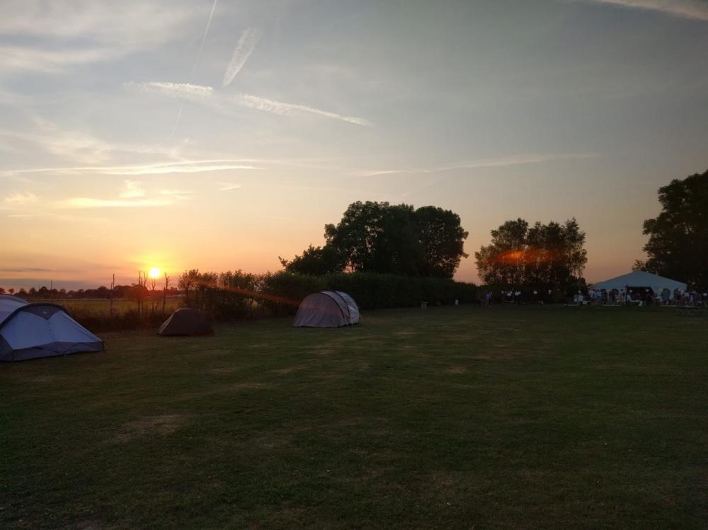 bruiloft camping