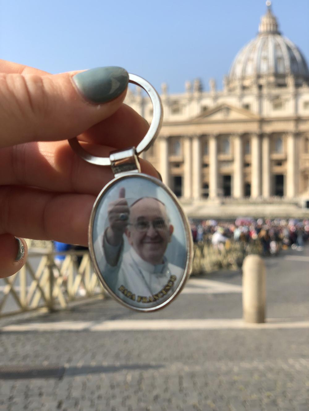 duim omhoog voor de paus