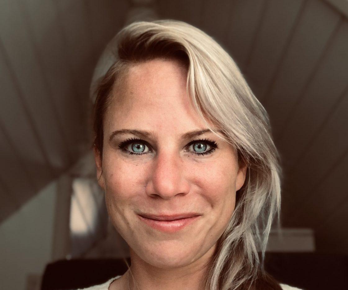 Nora Schenk portret